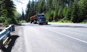 1019695_logging_truck.jpg