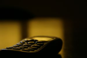 137470_cell_phone_on_the_desk.jpg