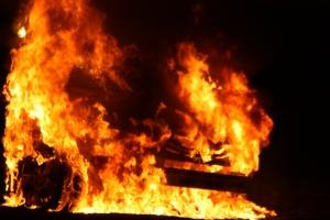 car-fire-1267612-m.jpg
