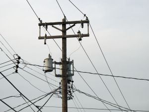 electrical-pole-740870-m.jpg