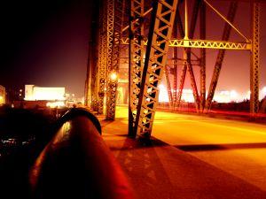 hot-bridge-559630-m.jpg