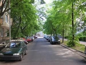 narrow-street-1327674-m-300x225